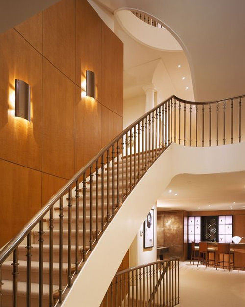 Cầu thang đẹp với nghệ thuật chiếu sáng