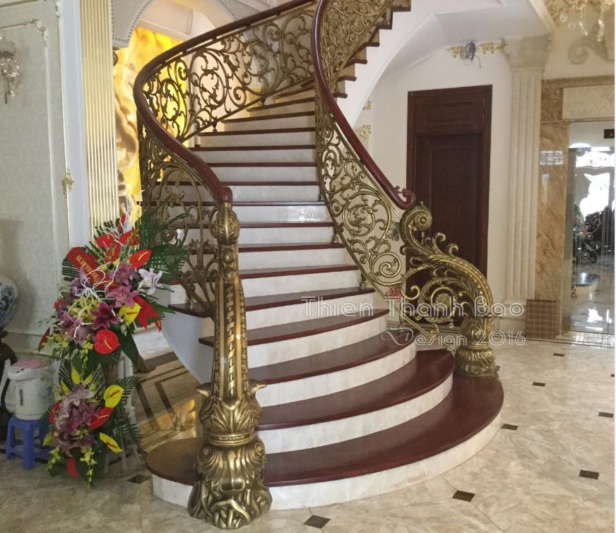 Cầu thang nhôm đúc-mẫu CT05:Cầu thang biệt thự đẹp